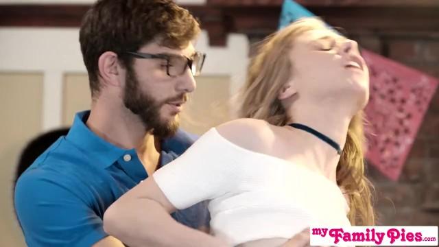 Stiefschwester Und Teen Freund Haben Heimlich Sex Bei Cinco De Mayo Party