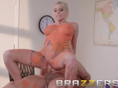 Brazzers - Christie Stevens makes art class fun