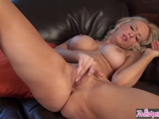 Cousin stevies pussy party torrent