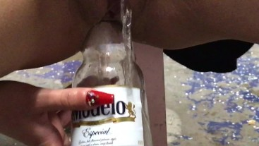 Beer bottle anal penetration!!! Teen girl squirt  in anal masturbation