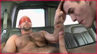 Les meilleures vidéos porno de tous les temps - Bait Bus Dirk Willis Et Kyro Newport S'affrontent Dans Une Camionnette De