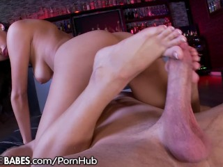 Josie Jagger's Pretty Feet Fuck and Big Cock Ride!