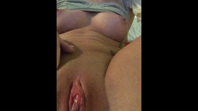 Xxx porn squirting Making myself cum to some porn xxx