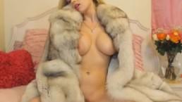 Beautiful Blonde Babe Fucks Her Pussy