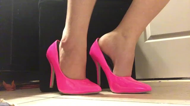 Sexy tap shoes - Sexy shoeplay pink high heel fetish tapping hot shoe dangling foot fetish
