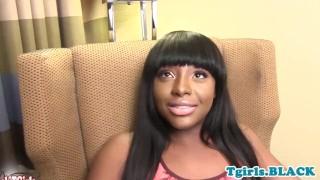 Chubby trans ebony fingers her asshole porno