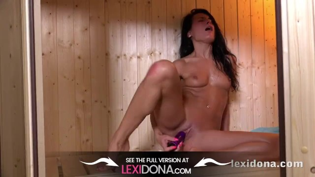 Fit Body - Watch me masturbate while sweating in the sauna