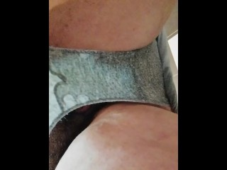 Pissing in pants – Like my hairy pussy and pee – chubby big tits amateur