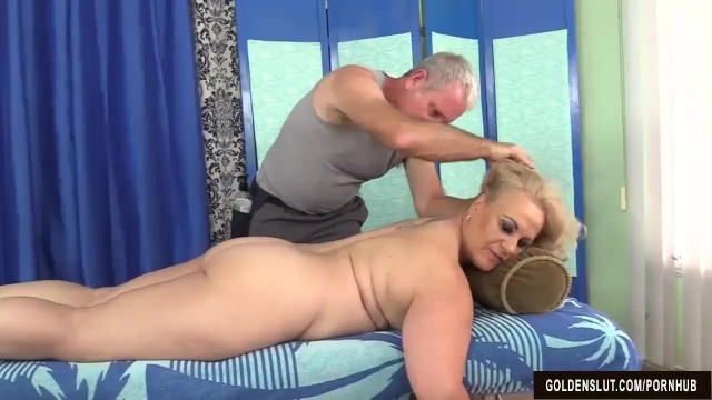 Older woman for sex - Older blonde summer has her body and genitals massaged