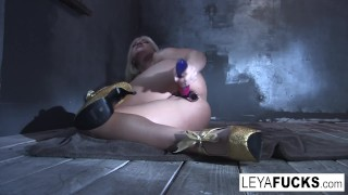 Leya Falcon sticks sex toys in both her holes