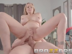 Brazzers - Julia Ann gets a lil extra with her massage
