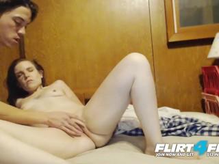 Image Lynn y Sergio en Flirt4Free – Pareja Amateur Chupa y Folla en el Cam