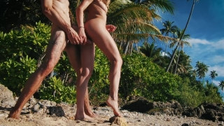 Quickie in Paradise! It was way too hot to fuck! - Amateur Couple LeoLulu Banks dirty