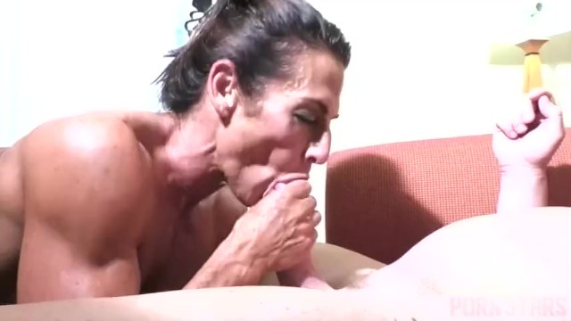 Naked femel - Naked female bodybuilder fucks and sucks cock
