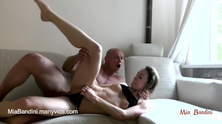 COLLEGE BABE MIA BANDINI GETS CRAZY FROM ROUGH ORGASM AND PASSIONATE SEX Sex masturbate