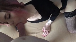 Une fille russe taille une pipe