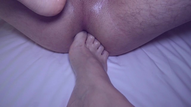 Petite Teen Stepsister Footjob her Stepbrother after he saw Masturbation
