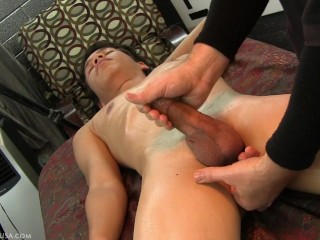 Teen uses her holes