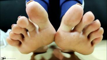 Loren Love Gives a Sweaty Footjob after Gym (Cummy Gym Feet and Socks)