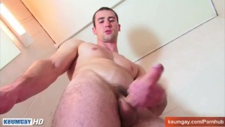 Full-video : Guome real straight guy in a gay porn in spite of him Gay uncut