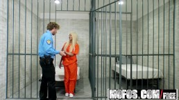 Mofos - Pervs On Patrol - Nasty Blonde Bangs Dude in Uniform , Elizabeth Jo