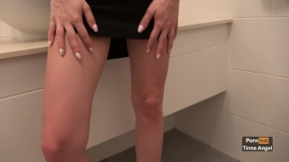 Quick Fuck In The Bathroom Finished With An Oral Creampie 4K Mother deepthroat