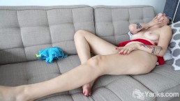 Yanks Peachy Fingers herself to a Toe-Curling Orgasm