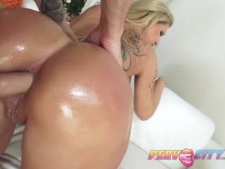 MILF Ryan Conner Anal Fuck and Facial
