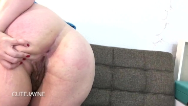 Curvy Amateur BBW Shows off her Big Ass and Spreads it For You
