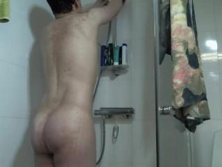 Big dick maturbating in the shower