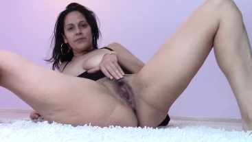 Messy Mommy Anal Masturbation and Pee