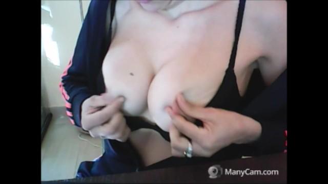 I love free porn Capezzoli in trappola