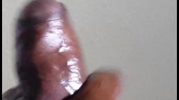 Grote Zwarte Lul Spuit Explosieve Ballen Leeg