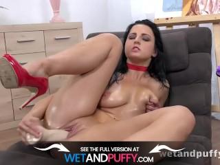 Wetandpuffy – Oiled Up Pussy Play – Masturbation