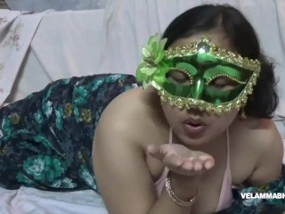 Indian Juicy Bimbo Velamma Bhabhi Getting Her Big Tits