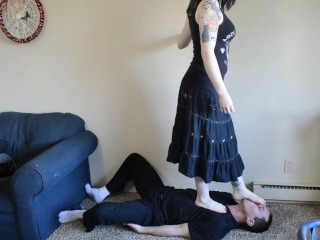 TSM - Amber jumps on and busts my balls barefoot