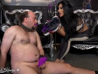 Mistress Kennya: A sweaty sock wank trailer