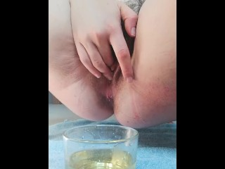 Amateur italian pissing in glass and fart in your mouth hairy pussy