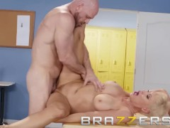 Brazzers - Dirty teacher Ryan Keely fucks students dad