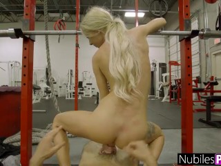 Petite And Tight Kenzie Reeves Gets Teen Pussy Stretched S1:E3