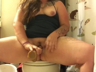 Big stretched out mature cunts