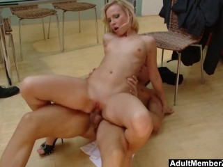 She Eats Creampie Straight From Pussy Blonde Sluts Orders A Manwhore To Satisfy Her