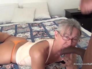 Mature big tits pussy