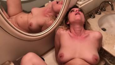 Surprise creampie from stepson impregnates stepmom - Erin Electra