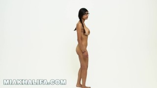 MIA KHALIFA - I Invite You To Check Out A Closeup Of My Perfect Arab Body porno