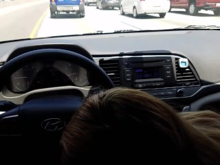 Blowjob while stuck in slow traffic