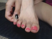 Painting my Toes Pretty Pink