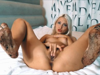 dirty feet girl masturbate on camera