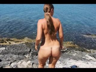 Blowjob op openbaar strand