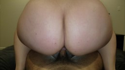 THICK ASS BOUNCING ON DICK IN REVERSE COWGIRL